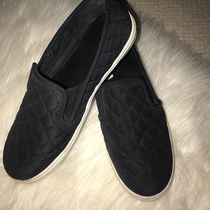 Mosimo Black Quilted Slip On's